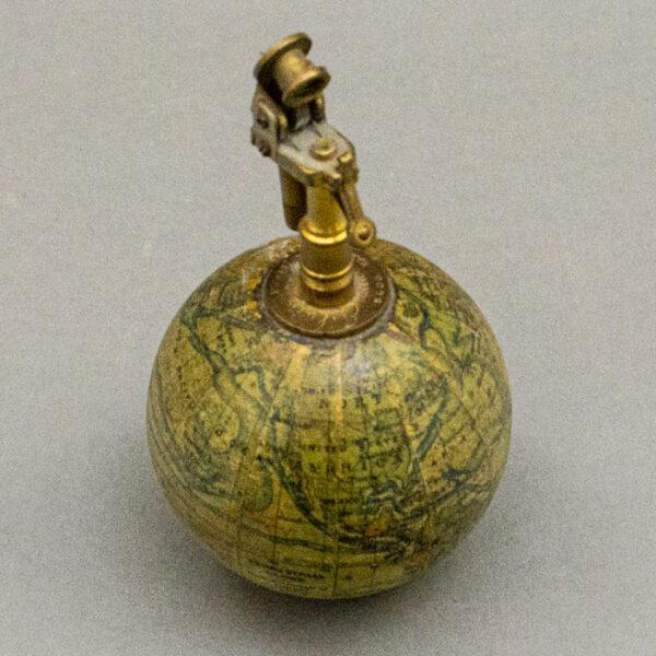 Forest Globe Lighter, Detail