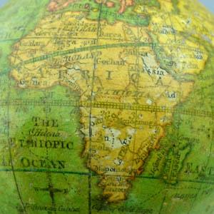 Nicolas Lane 2.75-Inch Terrestrial Globe, detail