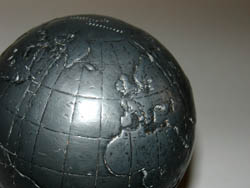 Peoples Bank Globe, detail
