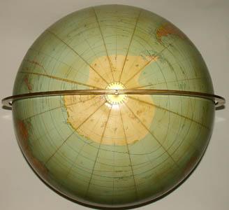 Rand McNally & Company 18-Inch Terrestrial Floor Globe, detail