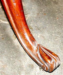 Cabriole Leg Folio Stand