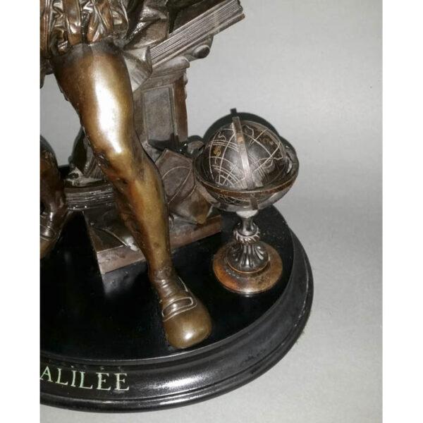 Statue of Galileo Galilei, detail