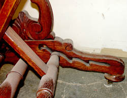 Pierced-baluster Folio Stand