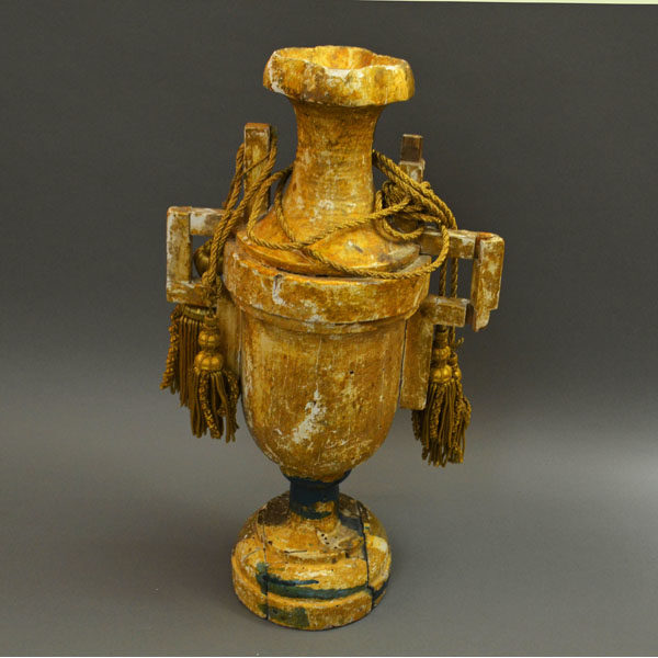 Gilt Wood Urn Antique backside