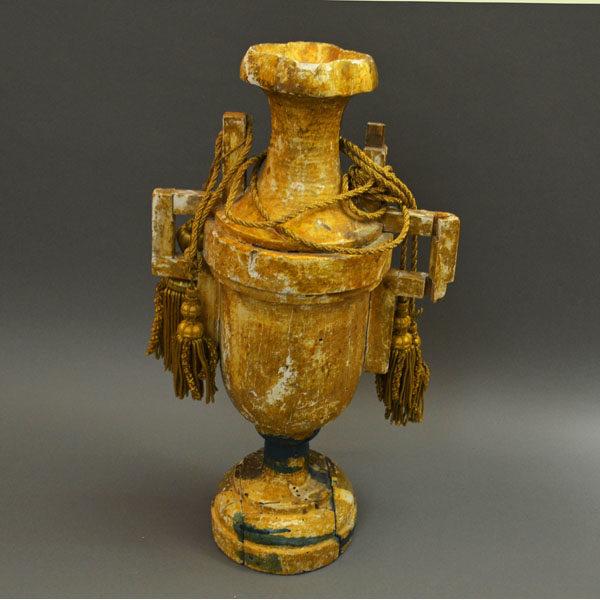 Gilt Wood Urn Antique backside
