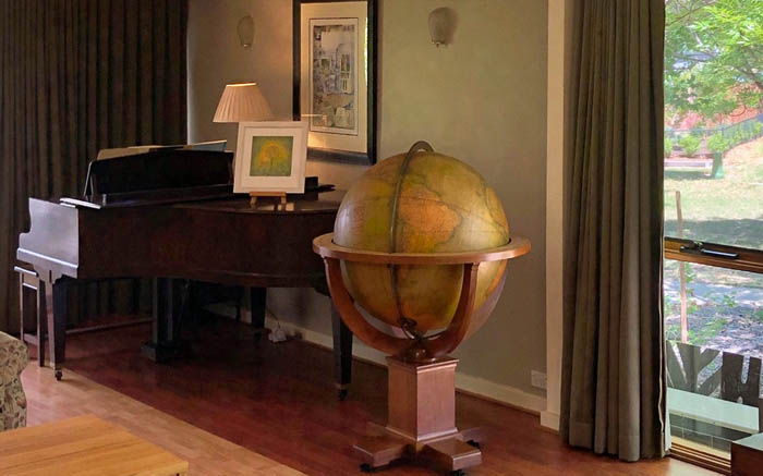 Floor globe installed