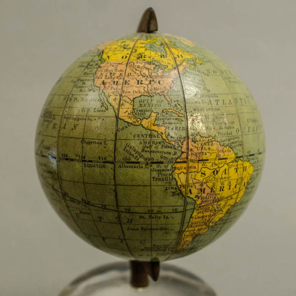 Rand McNally 3-Inch Paperweight Magnifier Globe, detail