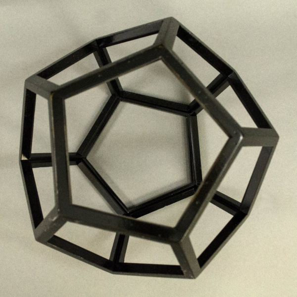 Dodecahedron, Skeletal Polygon Model