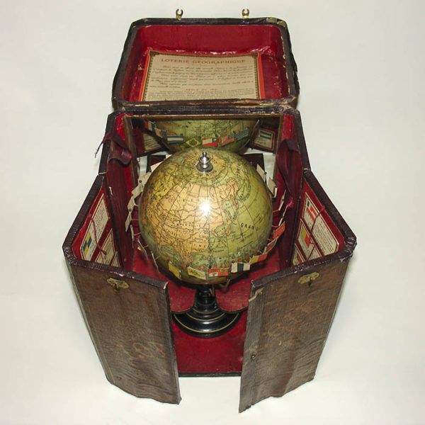 Loterie Géographique, Geography Game with 5.5-Inch Terrestrial Globe